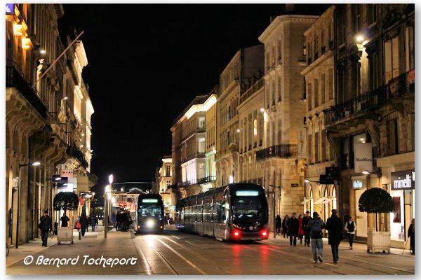BON JEUDI A TOUS.... Bordeaux-nuit-21