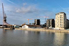 Les bassins flot de bordeaux un nouveau quartier for Appartement bordeaux bassin a flot