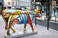Cow Parade de Bordeaux : Larry's Cow, place des Grands Hommes