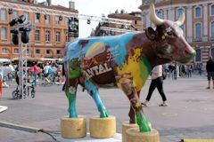 Cow Parade Toulouse vache Je ne m'appelle pas Chantal mais j'aime le Cantal