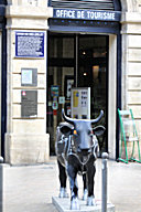 Cow Parade de Bordeaux : vache Meuhtrytis, Office de Tourisme