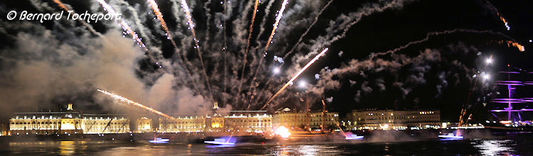 Feu d'Artifice Bordeaux | Photo Bernard Tocheport