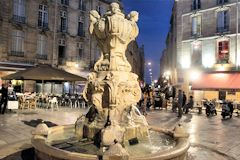 La fontaine de la place du Parlement à Bordeaux à l'heure bleue | Photo Bernard Tocheport