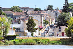 Village sur les bords de la Dordogne | Photo Bernard Tocheport