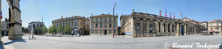 Photo panoramique Bordeaux place Pey Berland