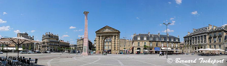 Photo panoramique de la place de la Victoire