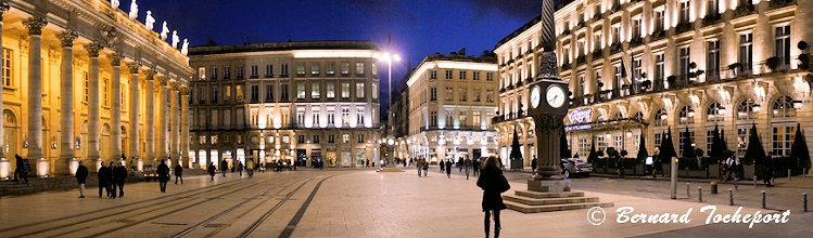 Bordeaux la place de la com die est celle du grand th tre for Hotel piscine bordeaux