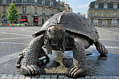 Bordeaux la tortue Theimer de la place de la Victoire | Photo Bernard Tocheport