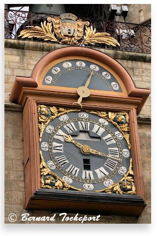 Bordeaux l 39 horloge de la grosse cloche cours victor hugo for Appartement bordeaux grosse cloche