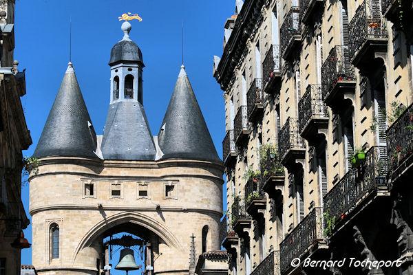 Bordeaux le sommet de la grosse cloche vu depuis la rue du for Appartement bordeaux grosse cloche