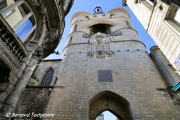 Bordeaux la porte de la grosse cloche vue depuis la rue for Appartement bordeaux grosse cloche