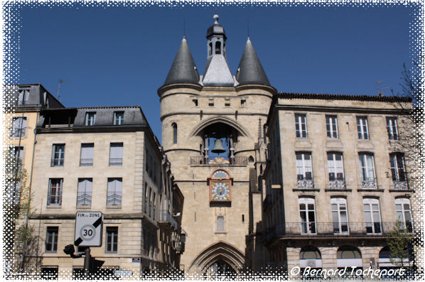 Portes de bordeaux la grosse cloche cours victor hugo for Porte 15 bordeaux