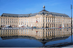 33-bordeaux.com : découvrir le miroir d'eau >>