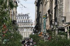 Rue sainte catherine photos de la principale rue commer ante de bordeaux - Magasins rue sainte catherine ...